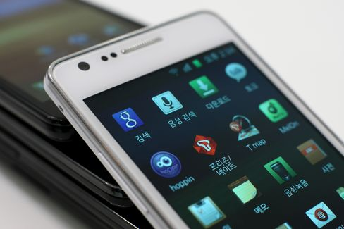 Apple Adds Patent Infringement Claims Against Samsung