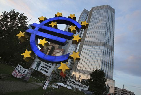ECB Says Overnight Deposits Fall to Lowest in Seven Months