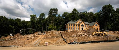 Americans Living Larger As New-Home Sizes Defy Economy