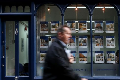 U.K. House Prices Increase to Record as Recovery Goes National