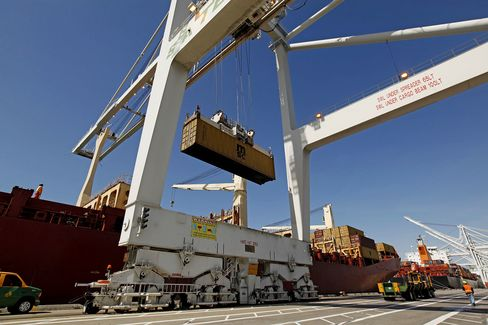 Trade Deficit in U.S. Jumps on Pre-Holiday Surge in Imports