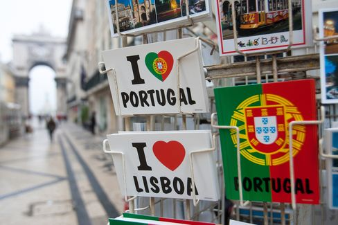 Portugal Bond-Market Rout Overstates Greek Likeness