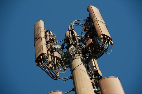 AT&T Fast Network a Work in Progress in Race With Verizon