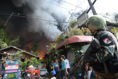Fight Between Muslim Rebels & Philippine Troops