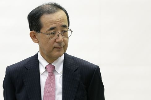 Softbank Succeeds Where Shirakawa Struggled as M&A Weakens Yen
