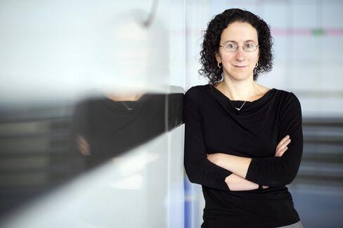MIT Ford Professor of Economics Amy Finkelstein