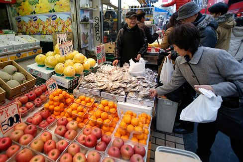 Abe Declares End of Deflation as Growth Plan Confronts Skeptics