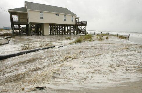 Hurricane Isaac Whips 'Dangerous Storm Surge' in Louisiana