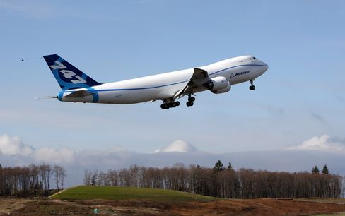 Boeing Delays 747-8 Another Six Months to Mid-2011