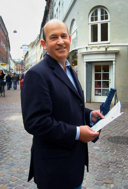 Banker-Turned-Author David Lender