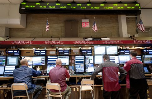 Trader Pay May Face Limits Under Volcker Rule