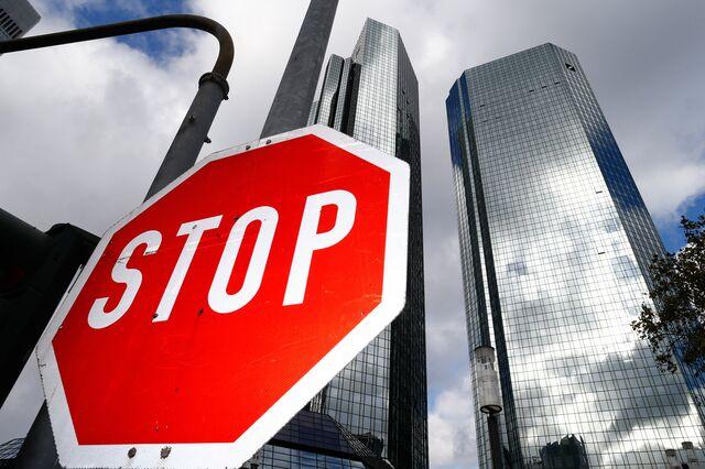 Deutsche Bank to employees: Knock it off.Photographer: Ralph Orlowski/Bloomberg