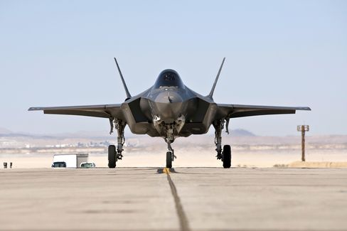 Air Force Training on F-35s With Balky Radar, Limited Visibility