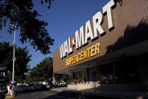 Wal-Mart Sees Neighborhood Leading U.S. Same-Store Sales