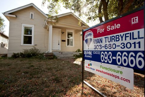While the attorneys general proposed many similar terms last month, banking regulators didnt include any requirements for lowering mortgage debt. Photographer: Matthew Staver/Bloomberg