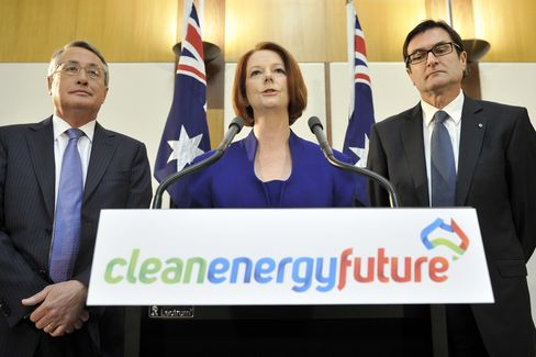 Carbon Cap Revival Led by Gillard Called Stupid by Xstrata