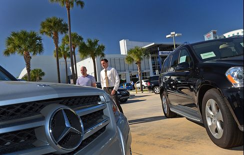 Daimler's Mercedes Probably Won't Win U.S. Luxury Race, CEO Says