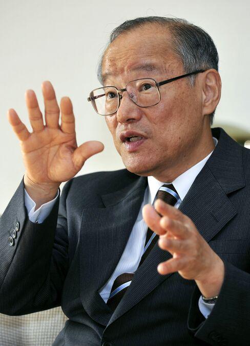 Resona Holdings Chairman Eiji Hosoya