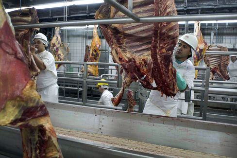 JBS Profit at Four-Year High on Grass-Fed Beef