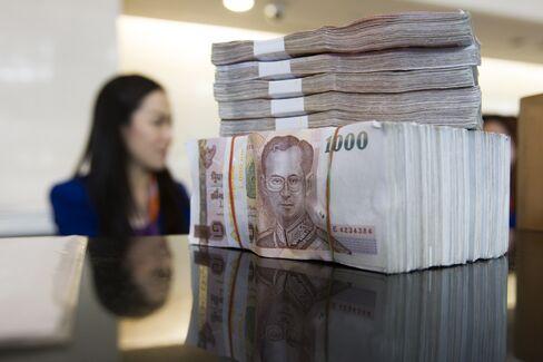 Thailand's Baht Slides Most in Three Months on Intervention Risk