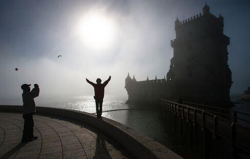 Portugal to Escape Relapse on Adjustment, Deficit, Survey Shows