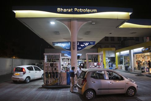 Lowest Dollar Yields in Year Ease Pain of Refiners: India Credit