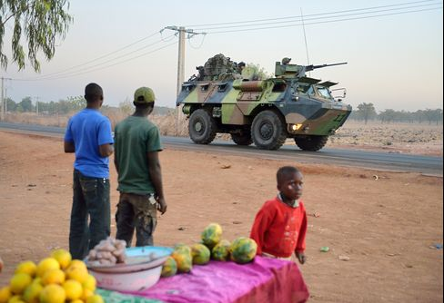 African Force to Take Over Mali Fighting in 'Weeks,' France Says