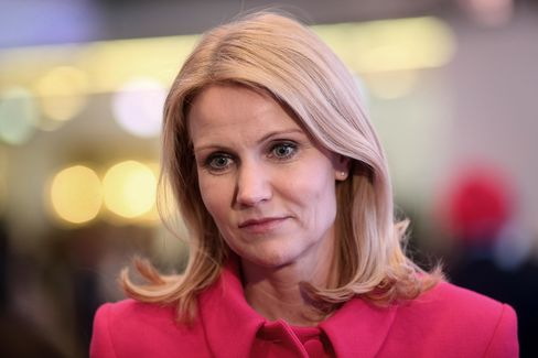 Danish Premier Blindsided as Six Ministers Quit in Goldman Spat