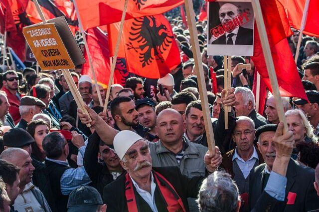 Αναγνωρίστε το Κόσοβο ή πληρώστε το τίμημα
