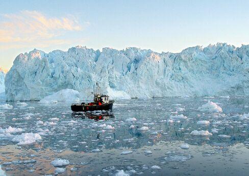 A fishing boat on Greenland's western coast