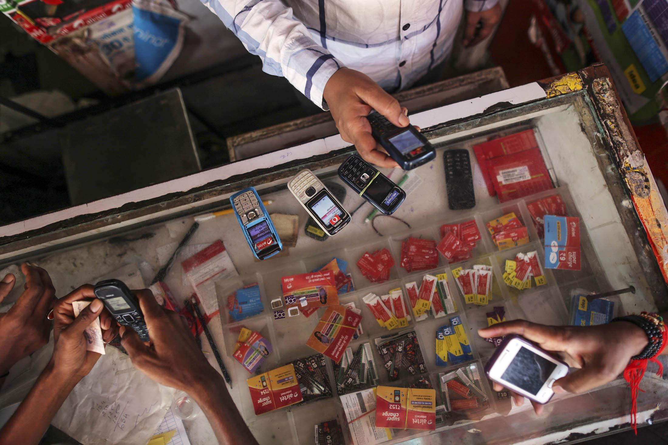 The $79 Billion Airwaves Dilemma  Vexing India's Telecom Barons - Bloomberg