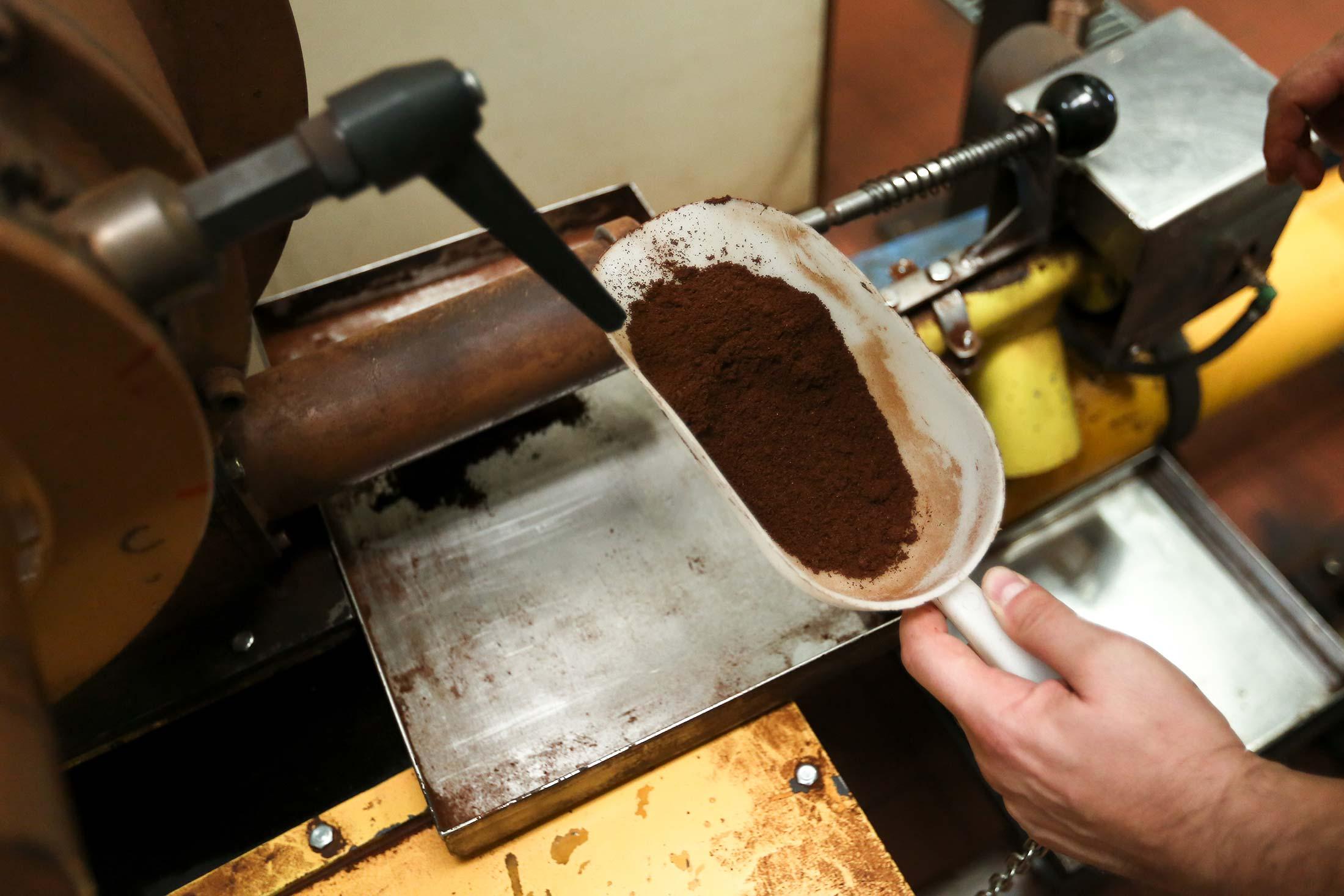 Lavazza Coffee Challenges Starbucks In U S Photos