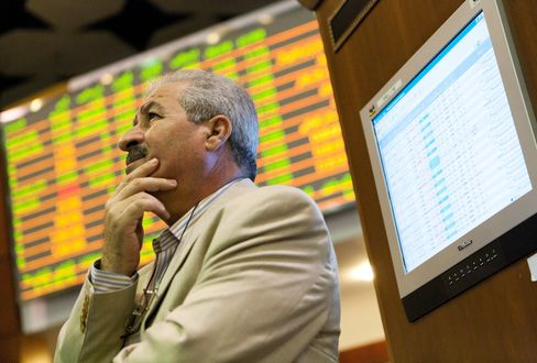 Dubai Shares Retreat Most in Two Weeks