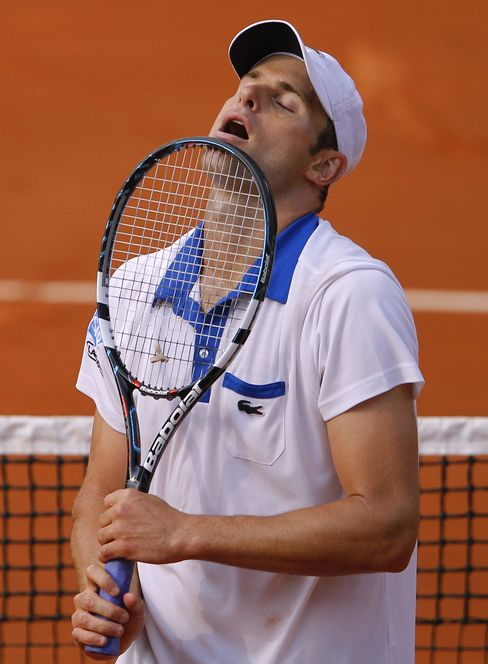 Roddick Ousted at French Open as Venus Williams Returns With Win