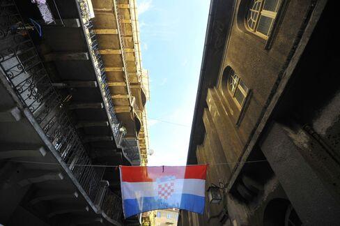 Croatia Won't Seek IMF Help After Rating Downgrade to Junk