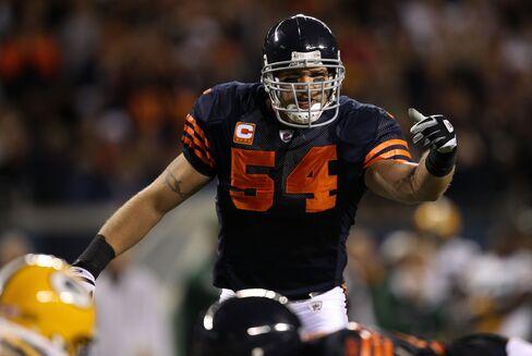 Brian Urlacher #54 of the Chicago Bears