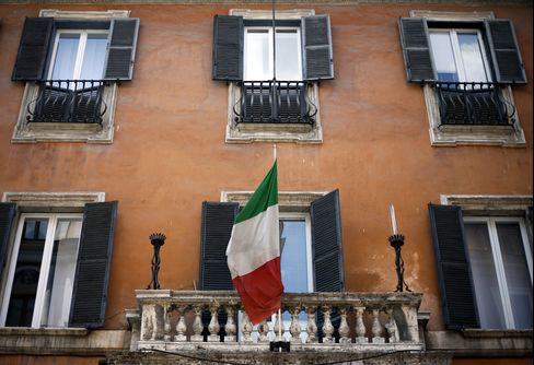 Italy Bonds Rise With Spain as Europe Recession Ends