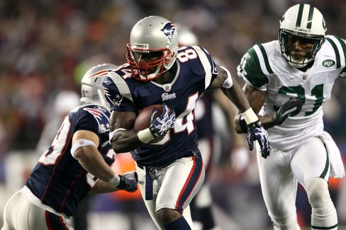 Deion Branch #84 of the New England Patriots