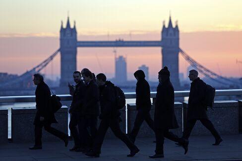 Bond Tab for Biggest Economies Seen Falling by $220 Billion