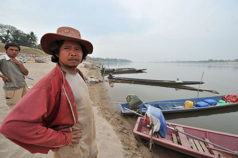 Laos Aims to Win Neighbors Approval for $3.8 Billion Dam