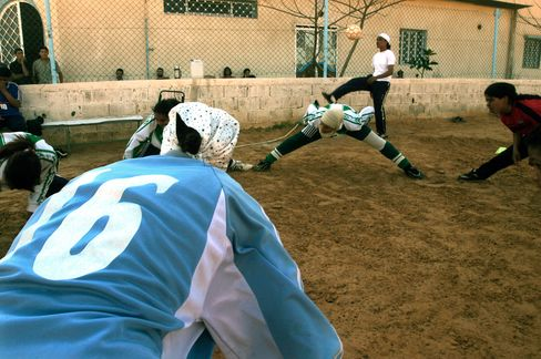 Libyan Female Footballers Covered Head to Toe Enrage Islamists