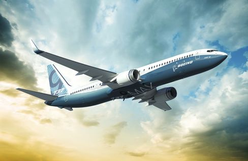 Boeing Said to Win United Order for 100 737 Jets