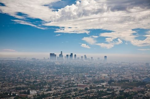 Los Angeles, wedged between the ocean to its west and mountains to its east, is built for air pollution. Contaminants from cars, utilities and factories pump out particles and gases that enshroud the city in smo