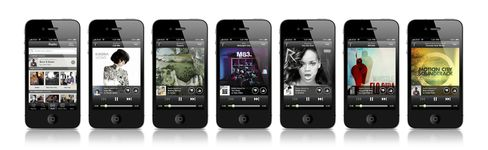 Spotify Starts Mobile Web-Radio Service Challenging Pandora