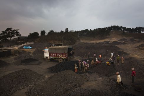 Coal-Starved Utilities to Get Rail Link Succor