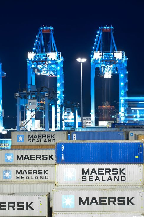Maersk Raises Forecast as Rates Help Earnings Recover