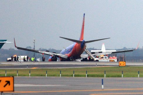 Pilots of Southwest Jet Switched Command Before Crash, NTSB Says