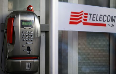 Telecom Italia Says Hutchison Wants Control as They Weigh Merger
