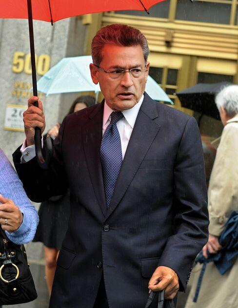 Gupta 'Threw Away His Duties,' Prosecutor Says at Trial's Start