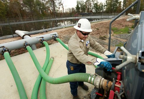 Drillers May Frack First, Disclose Later Under Draft Plan